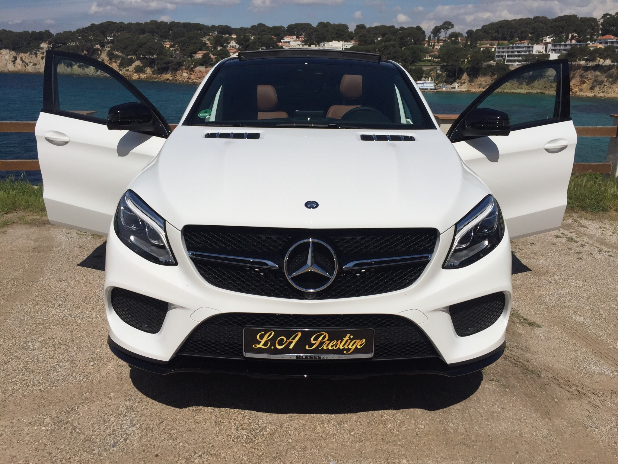 louer mercedes gle coup 350 cdi 4 matic. Black Bedroom Furniture Sets. Home Design Ideas